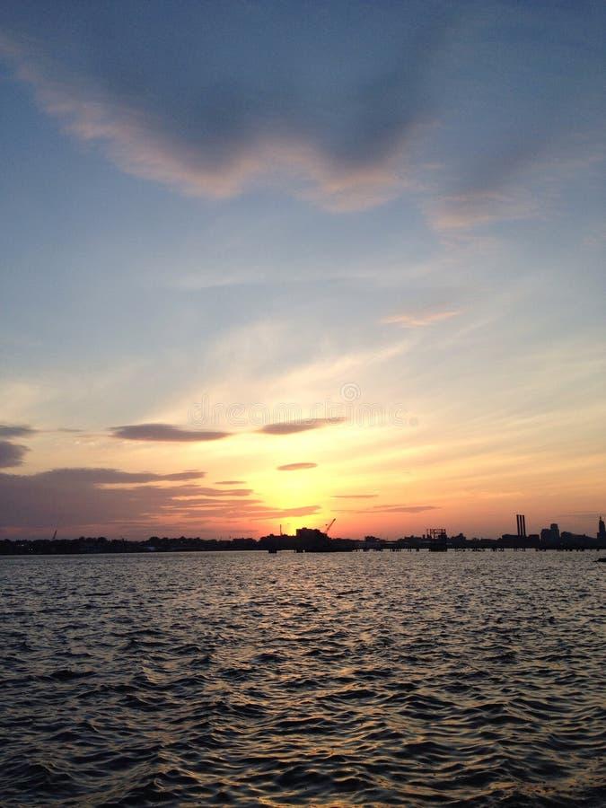 Coucher du soleil d'Île de Rhode photo libre de droits