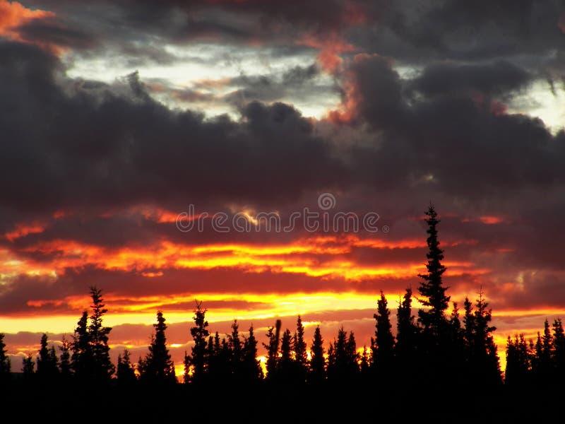 Coucher du soleil d'Alaska images stock