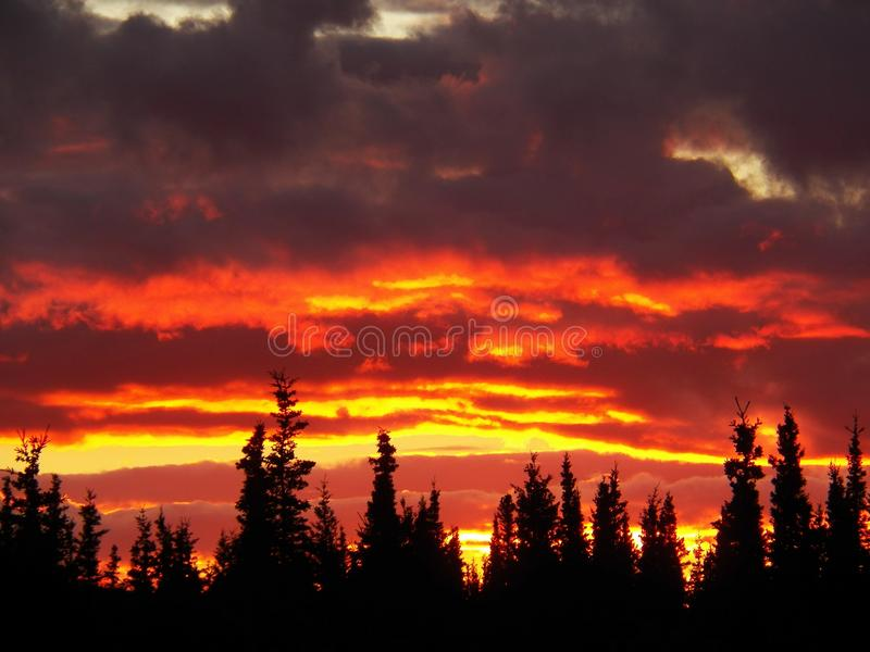 Coucher du soleil d'Alaska photographie stock libre de droits