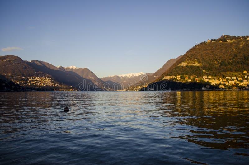 Coucher du soleil d'annonce de lac Como photographie stock libre de droits