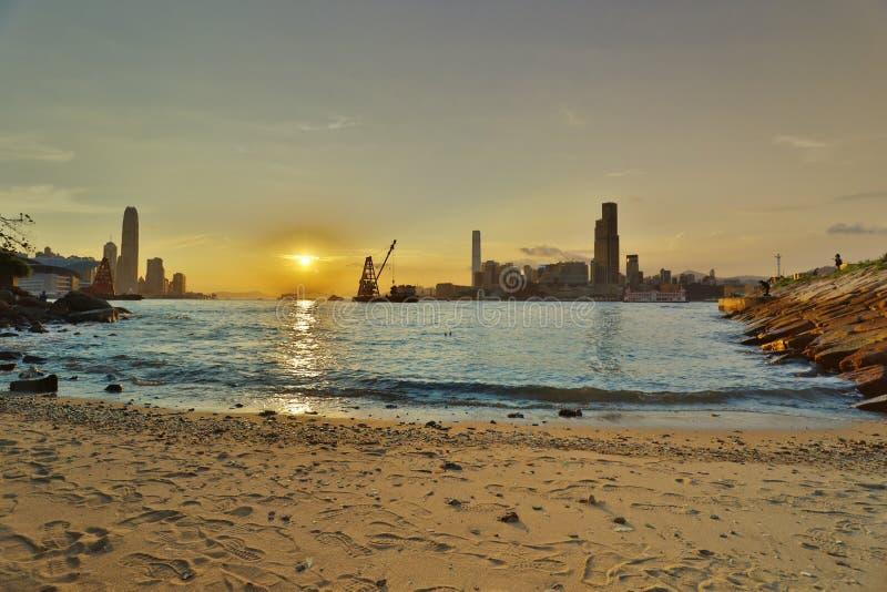 coucher du soleil d'horizon de Hong Kong Baie de chaussée image libre de droits