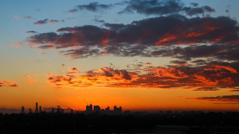 Coucher du soleil d'horizon de ville de Melbourne photo libre de droits