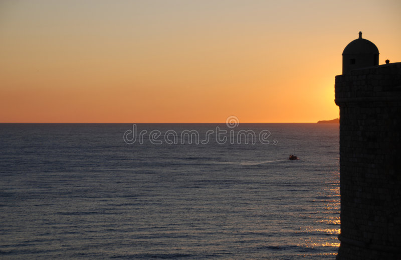 Coucher du soleil d'imagination dans Dubrovnik photos stock