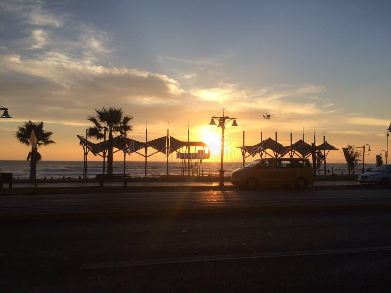 Coucher du soleil d'Iquique images stock