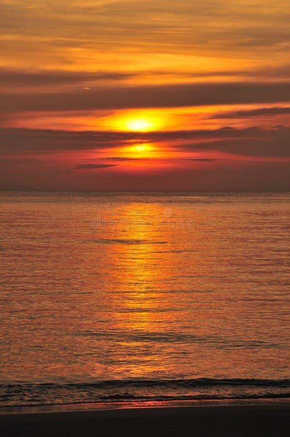 Coucher du soleil d'océan image libre de droits