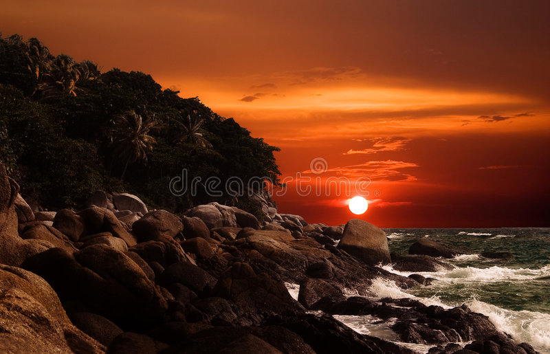 Coucher du soleil d'outre-mer? photographie stock