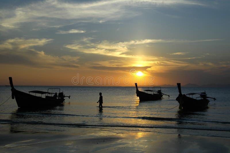 Coucher du soleil dans ao Nang images libres de droits