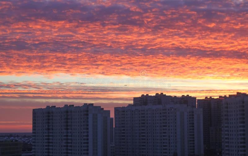 Coucher du soleil dans Butovo images stock