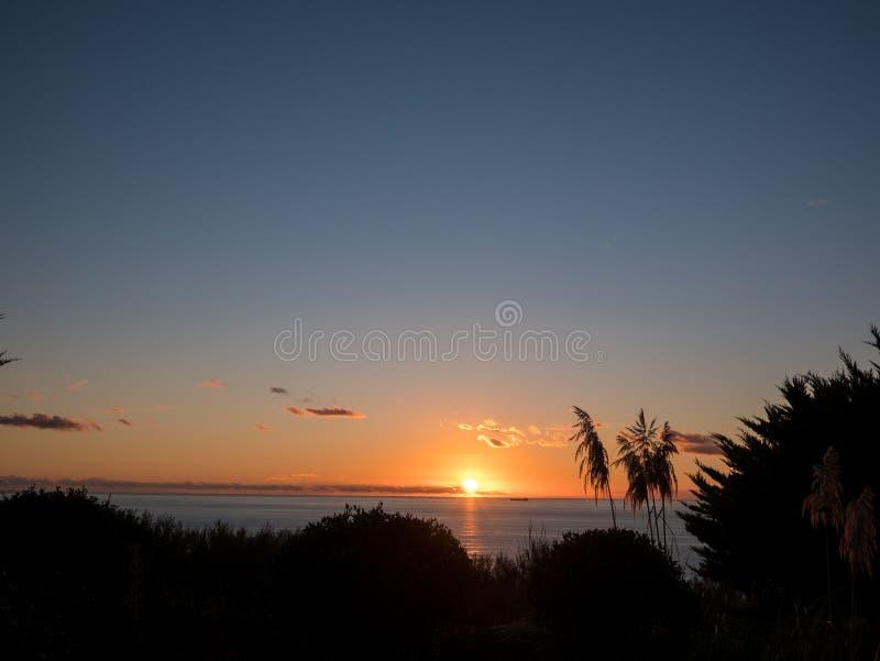 Coucher du soleil dans Cornouailles image libre de droits