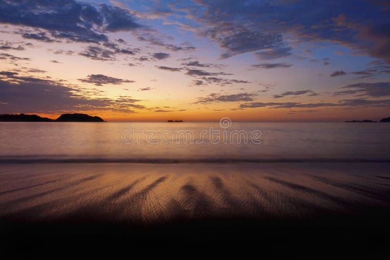 Coucher du soleil dans Guanacaste image stock