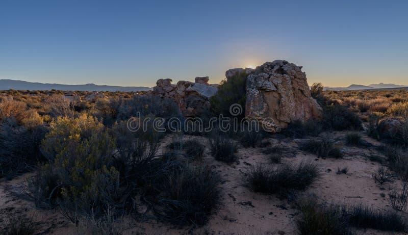 Coucher du soleil dans la montagne de cèdre image libre de droits