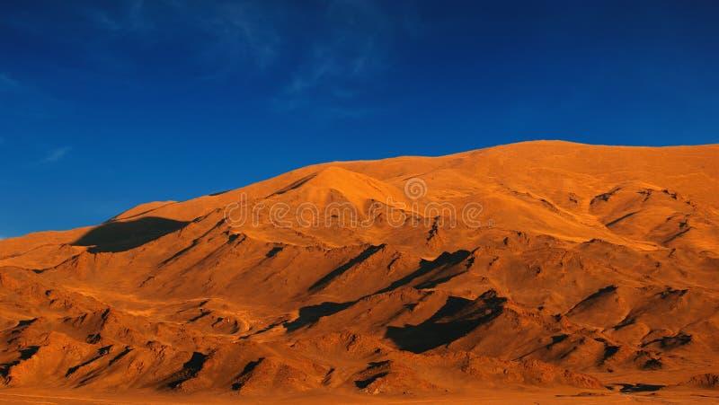 Coucher du soleil dans la région sauvage mongole photos stock