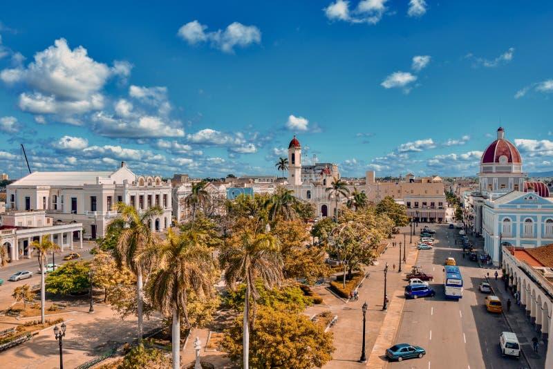 Coucher du soleil dans la ville de Cienfuegos images libres de droits