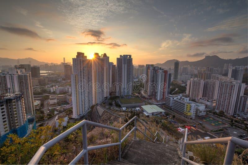 Coucher du soleil dans la ville photo libre de droits