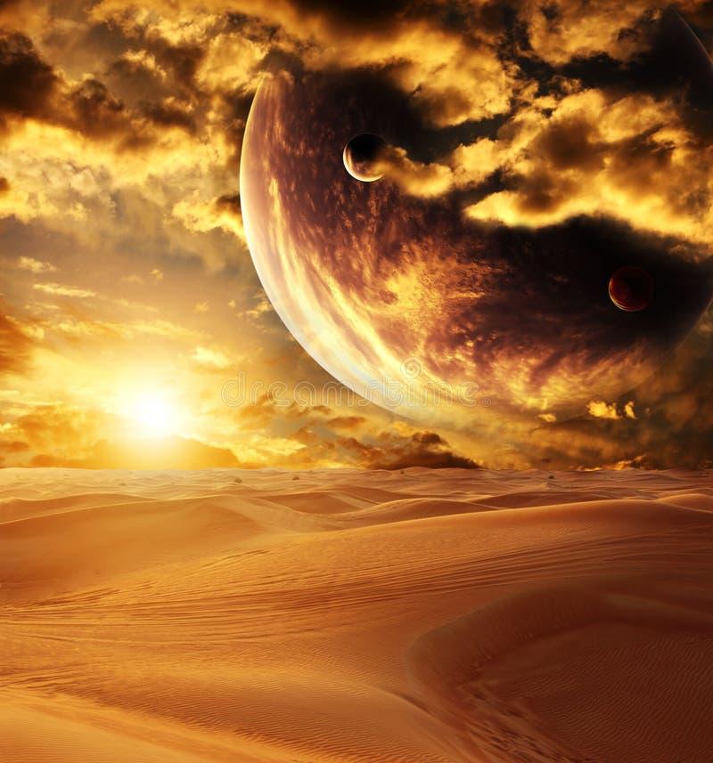 Coucher du soleil dans le désert image stock