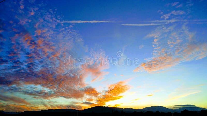 Coucher du soleil dans le désert de Mojave photographie stock
