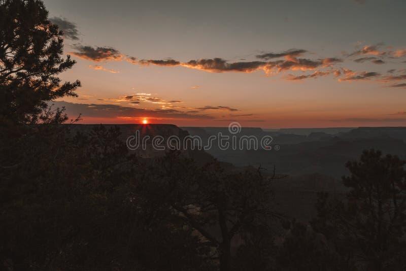 Coucher du soleil dans le méandre en fer à cheval de courbure de l'Arizona images stock