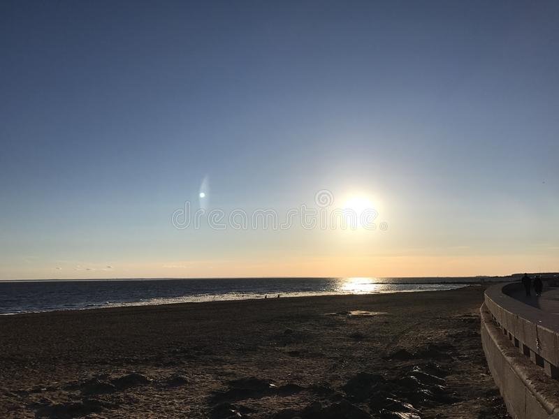 Coucher du soleil dans le St Petersbourg photo libre de droits