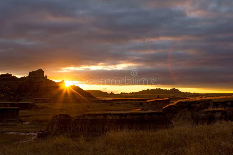 Coucher du soleil dans les bad-lands du Dakota du Sud photos stock