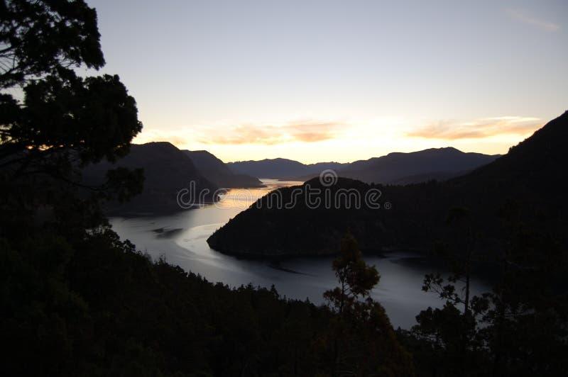Coucher du soleil dans les montagnes des Andes photographie stock libre de droits