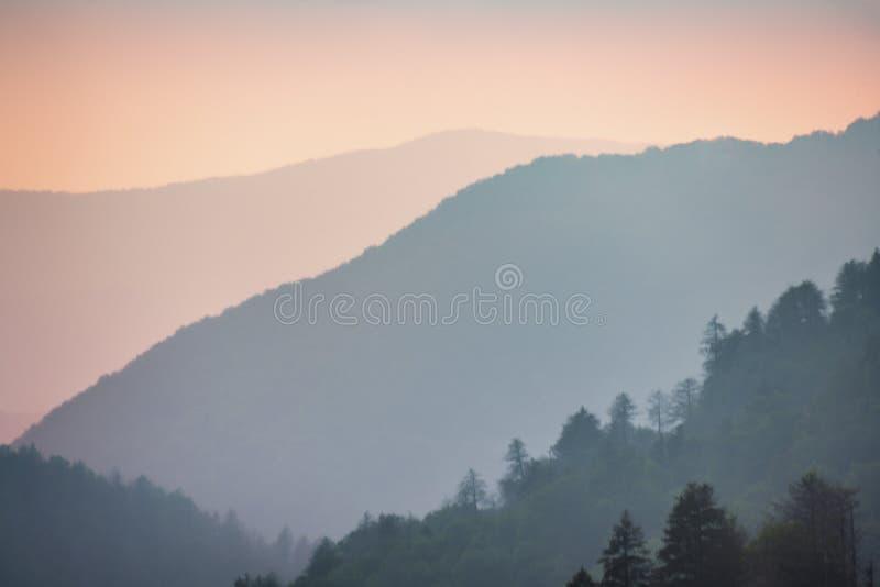 Coucher du soleil dans les montagnes fumeuses parc national, Tennessee, Etats-Unis images libres de droits