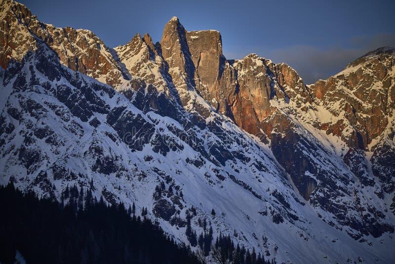 Coucher du soleil dans les montagnes, Hochkönig image stock