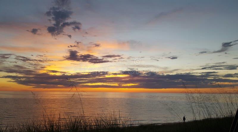 Coucher du soleil dans Muskegon images libres de droits