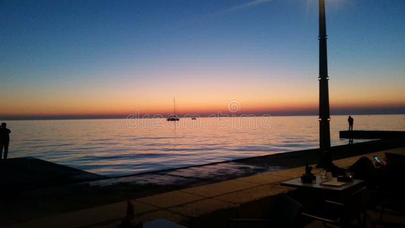 Coucher du soleil dans Piran image libre de droits