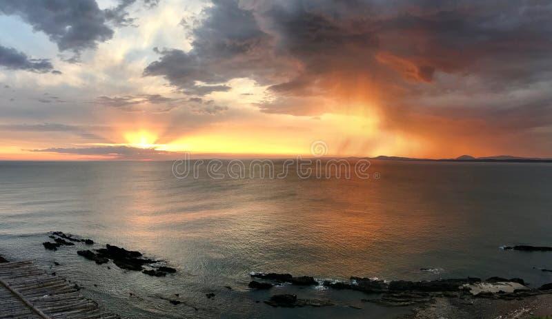 Coucher du soleil dans Punta Ballena, Uruguay photo stock