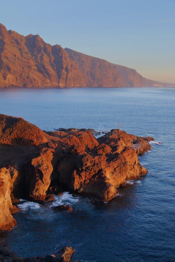 Coucher du soleil dans Punta Teno photographie stock libre de droits