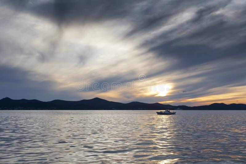Coucher du soleil dans Zadar image stock