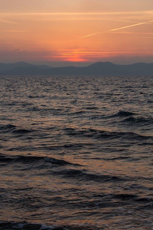 Coucher du soleil dans Zadar, Croatie images stock