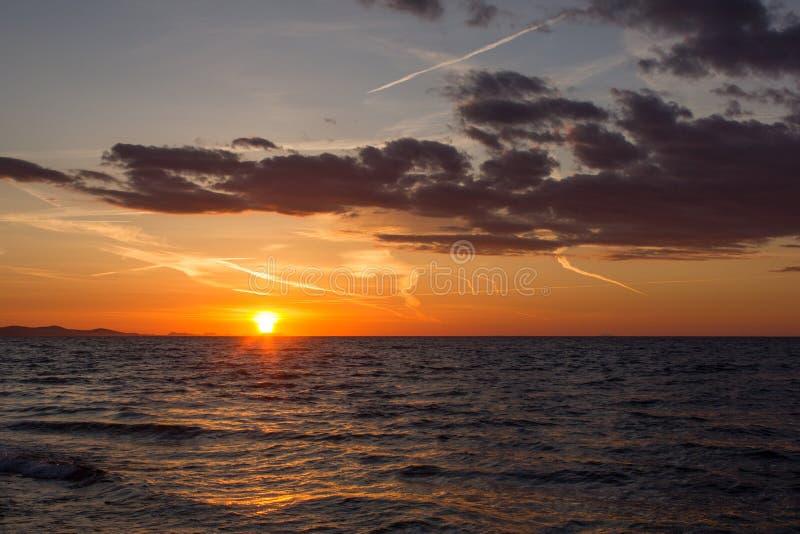 Coucher du soleil dans Zadar, Croatie photo stock