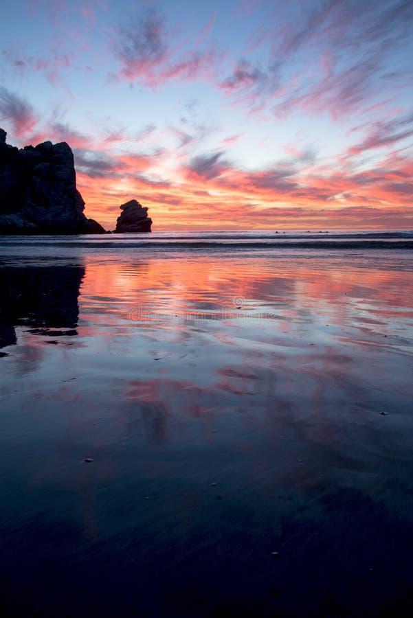 Coucher du soleil de baie de Morro photo libre de droits