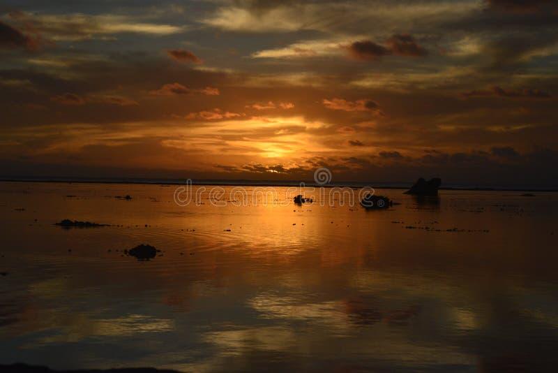 Coucher du soleil de Bora Bora photographie stock