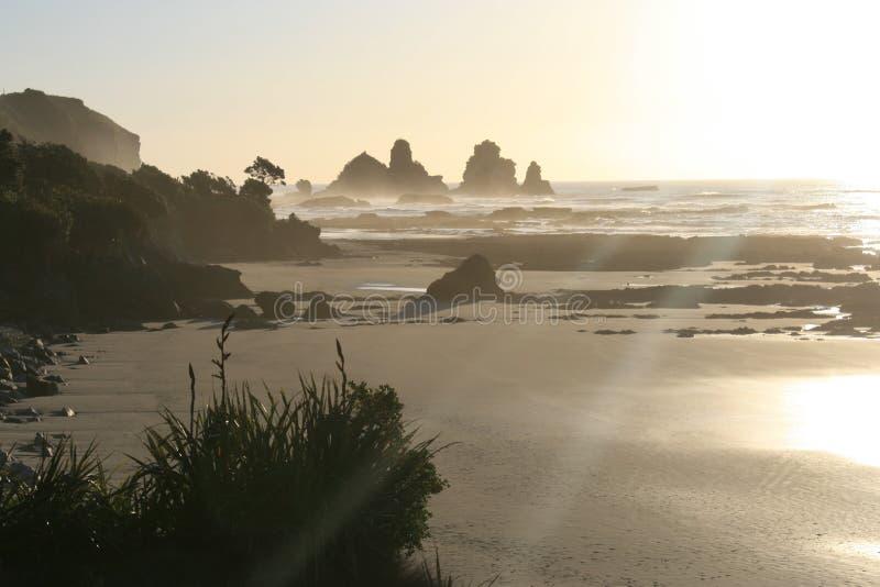 coucher du soleil de côte photos libres de droits