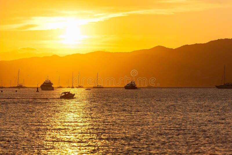 Coucher du soleil de Cannes images libres de droits