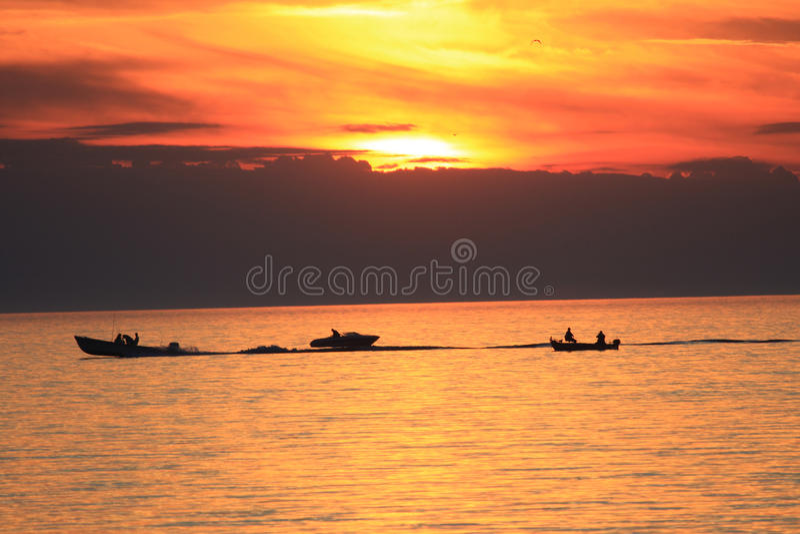 Coucher Du Soleil De Canotage Photographie stock libre de droits