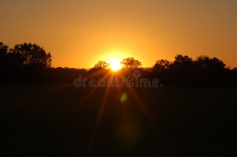 Coucher du soleil de centre images stock