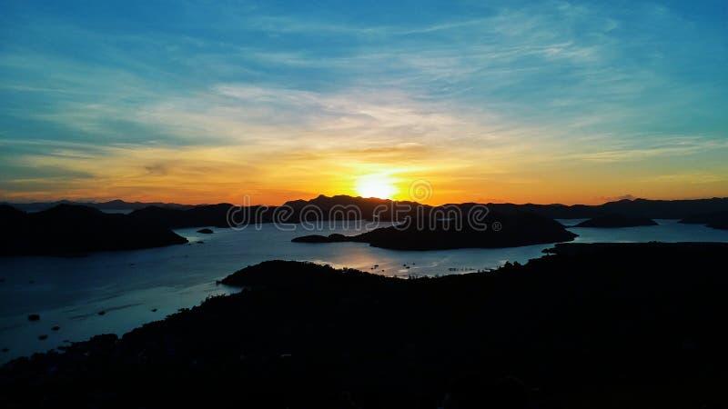 Coucher du soleil de Coron photos stock