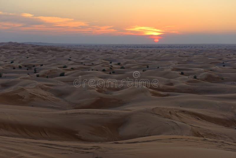 Coucher du soleil de désert image libre de droits