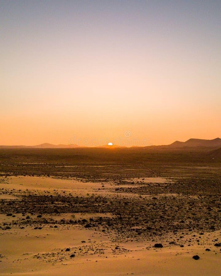 Coucher du soleil de dunes de Corralejo photos libres de droits
