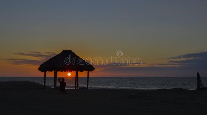 Coucher du soleil de flambage photos stock