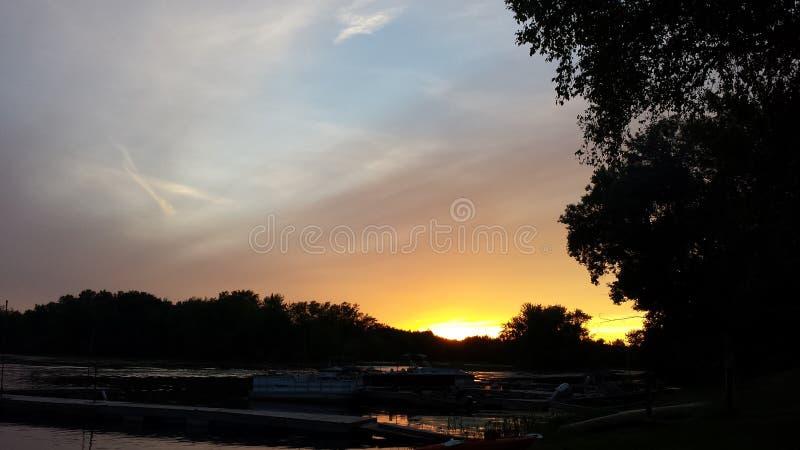 Coucher du soleil de Fleuve Mississippi photo libre de droits