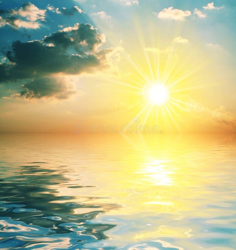 coucher du soleil de fond image libre de droits