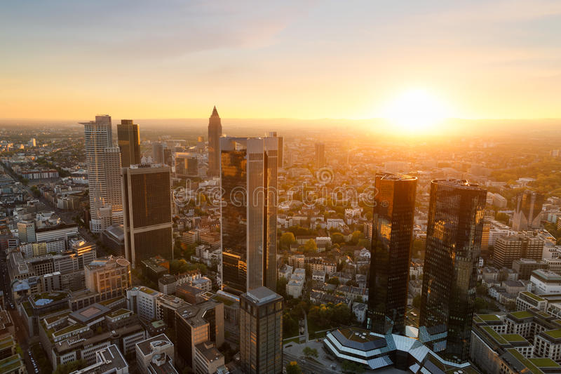 Coucher du soleil de Francfort en Allemagne photo libre de droits