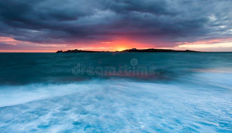 Coucher du soleil de Guernesey photos libres de droits