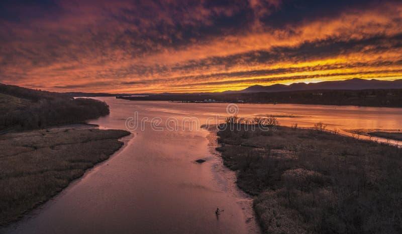 Coucher du soleil de Hudson River de déchirure Van Winkle Bridge photographie stock libre de droits