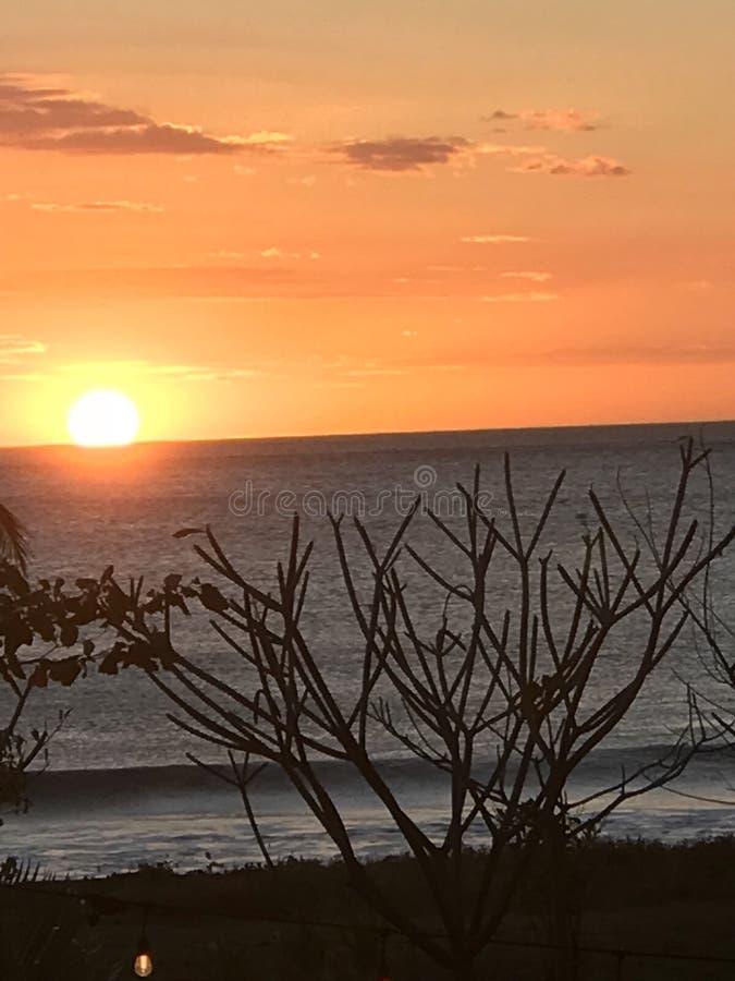Coucher du soleil de l'océan pacifique images libres de droits