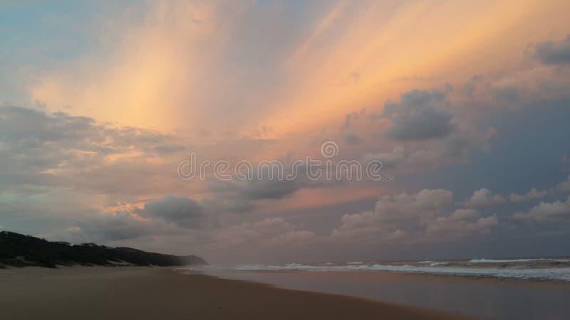 Coucher du soleil de la Mozambique image libre de droits